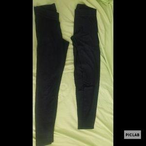 2 pairs of black PINK xs leggings